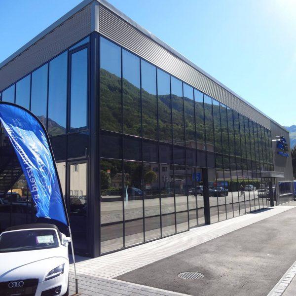 AutoVonk Maseratie dealer Zwitserland anti inkijk en zonwerende raamfolie