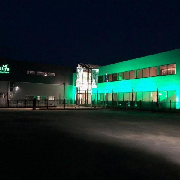 Doosletters profiel 5 LED - gevel uitgelicht en verlichte vlaggenmasten